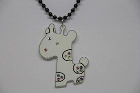 Halsband, vitt hundmotiv, svart kedja 36 cm