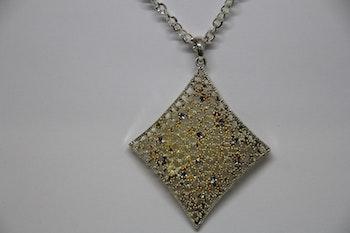 Halsband, silver- och guldfärgat hängsmycke
