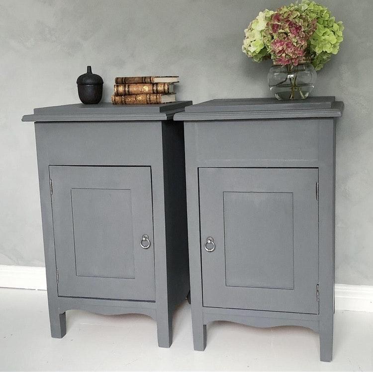 Sängbord i grått