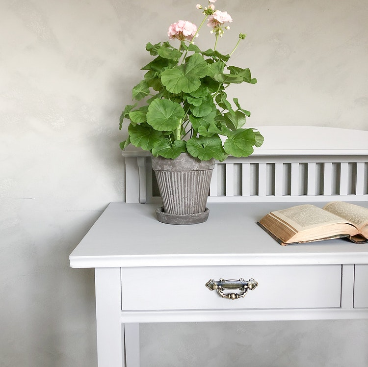 Antikt skrivbord i jugendstil