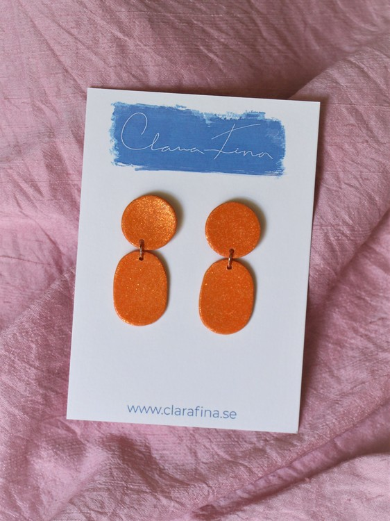 Lotta orange glitter
