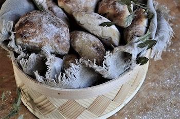 Oval brödkorg - flätad spån