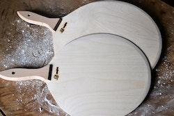 Rund bakspade trä - förstärkt handtag och vässad kant