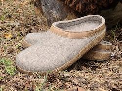 Toffelsko Haflinger grizzly - ulltoffel med stadig korksula - beige