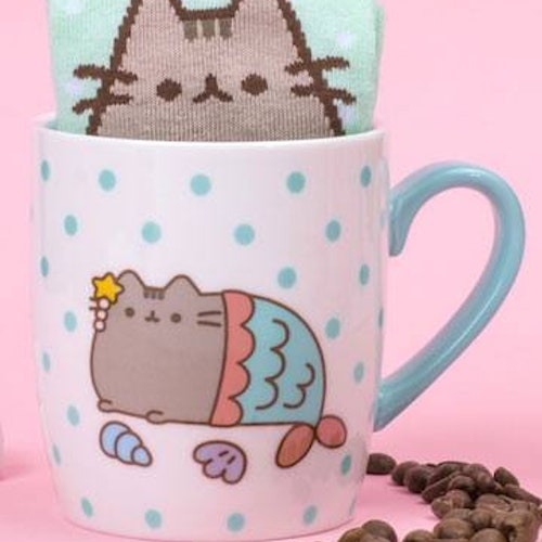 Pusheen mugg + Strumpor - Mermaid