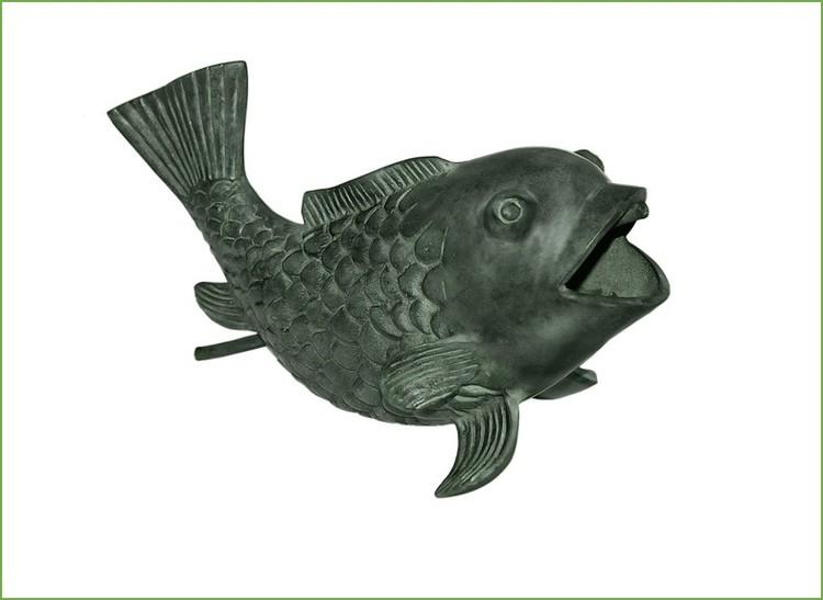 """Fisk fontän, gjord i brons, 27 cm, som vi kallat """"Glada fisken"""""""