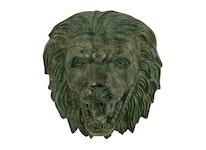 Väggfontän, lejonhuvud, gjort i brons