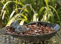 Fontän, groda gjord i brons, 12 cm, liggande, på rygg