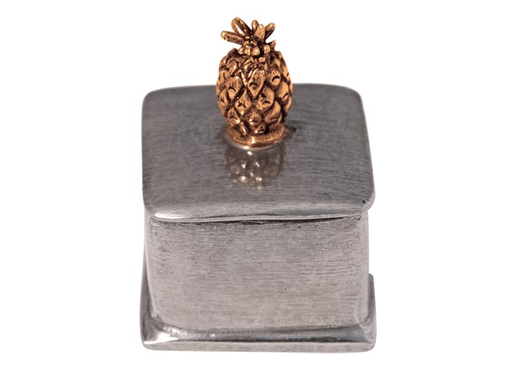 Fyrkantig ask i tenn, lock med guldfärgad ananas i topp