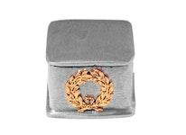 Fyrkantig ask i tenn med lagerkrans på asken, från Munka Sweden