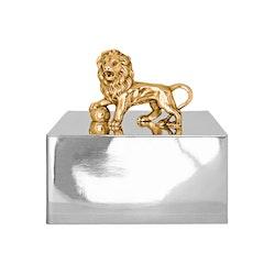 Stort skrin i tenn med förgyllt lejon från Munka Sweden