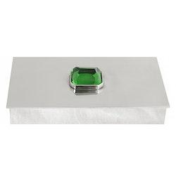 Skrin i tenn med stor grön sten på locket, rektangulär