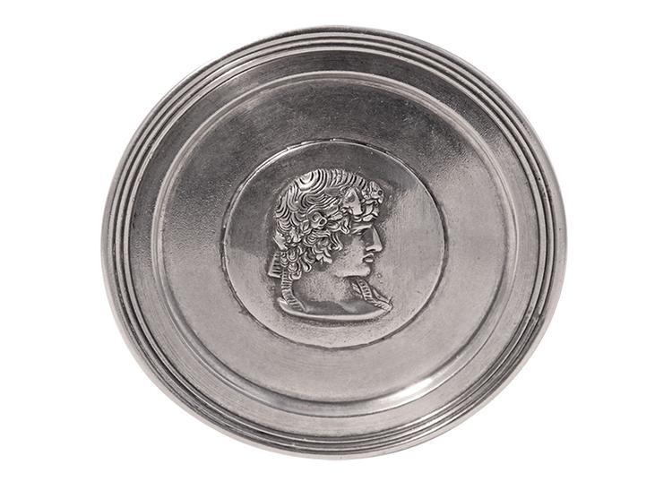 Coaster i tenn med Athena medaljong i mitten, rån Munka Sweden