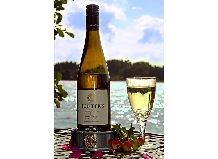 Coaster i tenn för vin med lagerkrans i guldfärg, från Munka Sweden