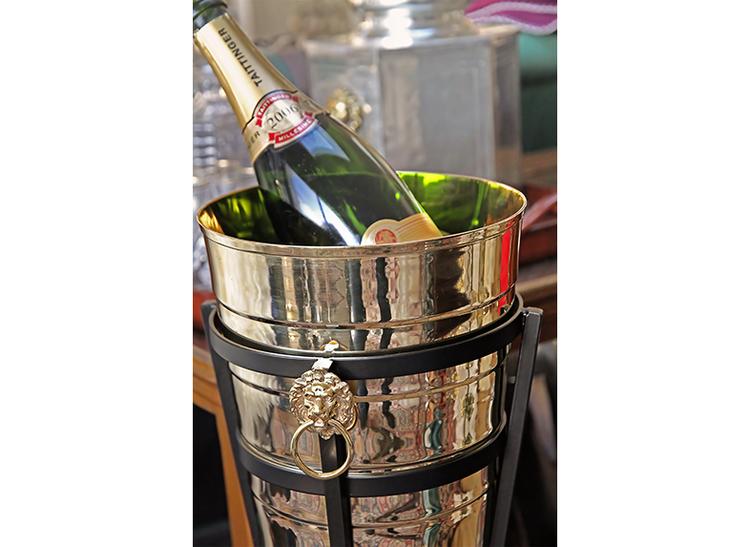Ställ med champagnekylare