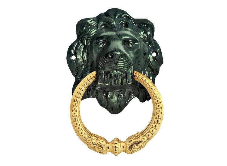 Dörrkläpp i form lejonhuvud, större, i aluminium och mässing, patinerad
