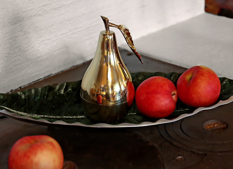Päron i  mässing från Gusumss Messing, 18 cm höjd