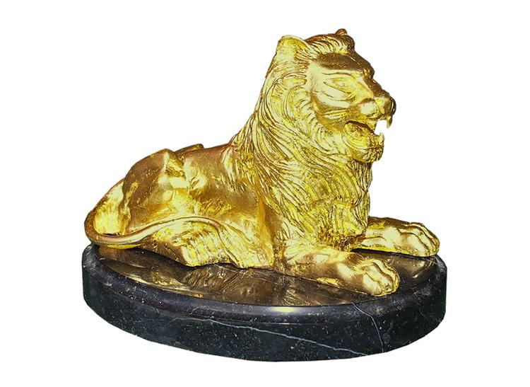 Lejon, förgyllt, liggande, 16 cm, på oval marmorskiva