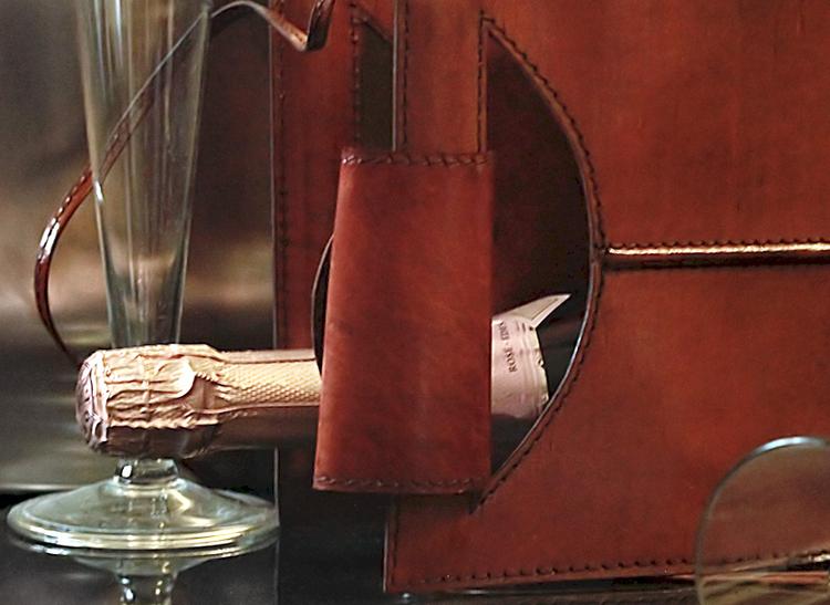 Flaskbärare i läder för två flaskor