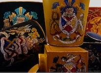 Tedosa med lock i handmålad plåt med gul botten