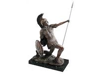 Romersk soldat gjord i brons , 40 cm, m. spjut på marmorsockel, knäböjande, kopia efter E. Drouot