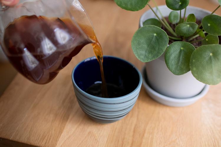 Bisqit Ceramics Big Smoke Cup