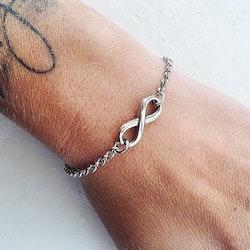 Armband i stål Infinity