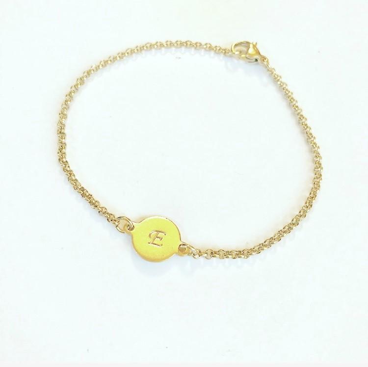 """Armband """"Cecilia"""" i guldfärgat rostfritt stål"""