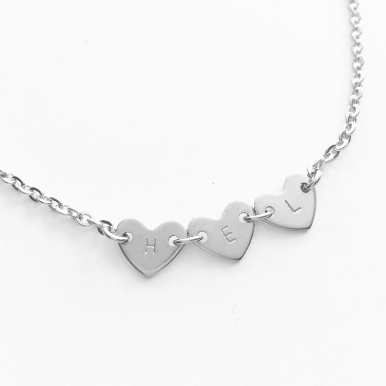 """Halsband """"Tova"""" i rostfritt stål med hjärt-bricka"""