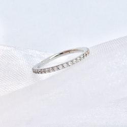 Klicker ring med crystal stenar