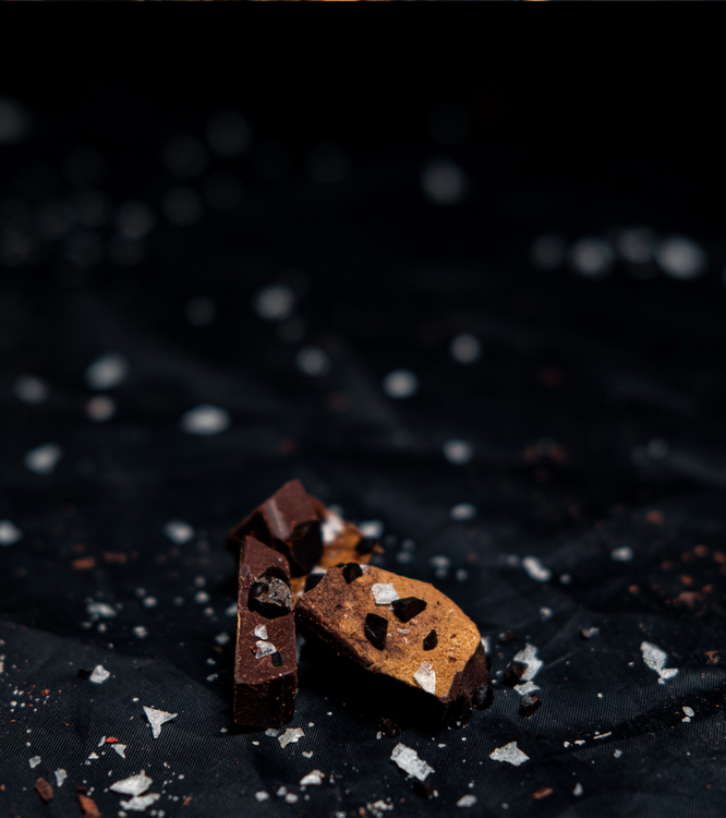 A BERRY GOOD SALTY CHOCOLATE, HALLON, JORDGUBBAR & RÅLAKRITS 90 GRAM