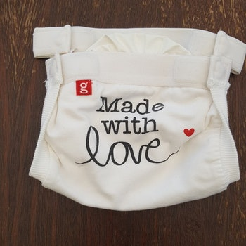 "gDiapers blöjbyxa ""Made with love"" inkl. pouch. Small (012)"