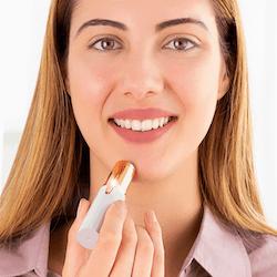 Flawless Trimmer/epilator för praktisk hårborttagning i ansiktet