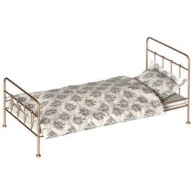 Maileg - Säng Medium i vintage guld