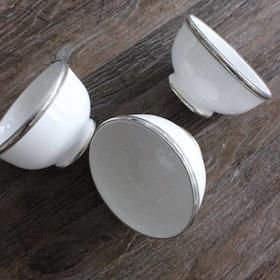 Skål vit med silverkant Ø10