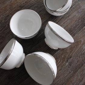 Skål vit med silverkant Ø13