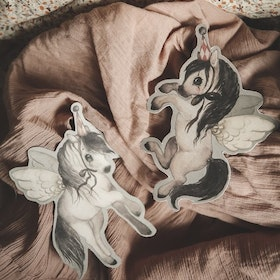 Mrs Mighetto Paper Friends Flying Ponies  DIY