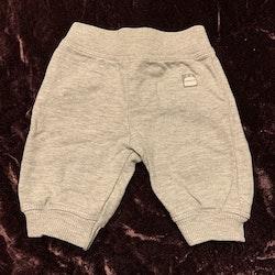Ljusgrå byxor från Kaxs stl 56