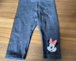 Mörkgrå byxor med Mimmi tryck från HM Disney stl 62