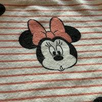 Vita byxor med rosa tunna ränder och Mimmi mönster från HM stl 62