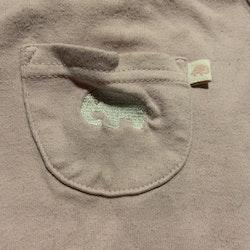 Ljusrosa ärmlös klänning med volanger och broderad liten elefant från Lindex stl 62