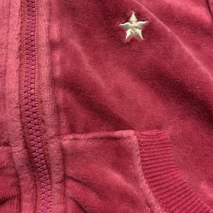 Mörkrosa tröja med dragkedja och en vit broderad stjärna från Lindex stl 62