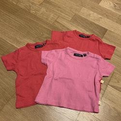 3 delat paket med t-shirts i rosa och rött från Blue Seven stl 62