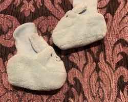 Ljusblå kanin tossor med öron stl 0-6 mån