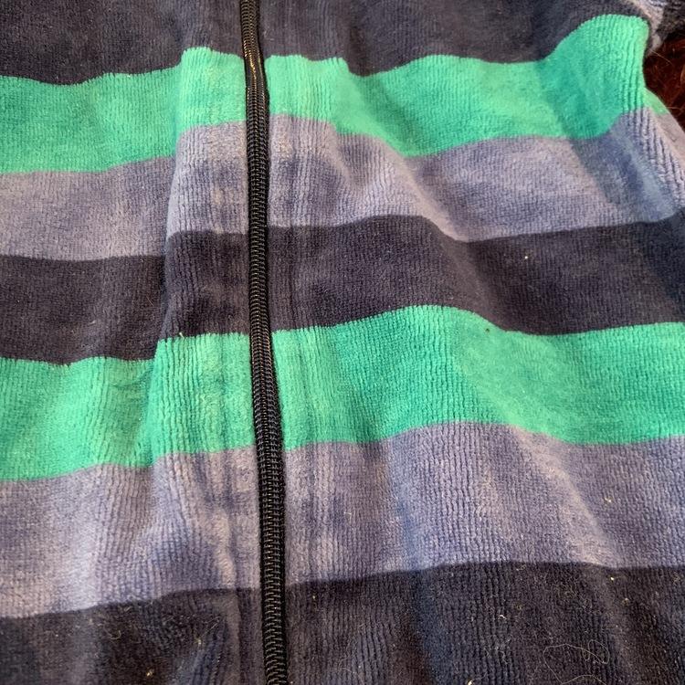 Randig jumpsuit i olika blå nyanser från Åhléns stl 50/56