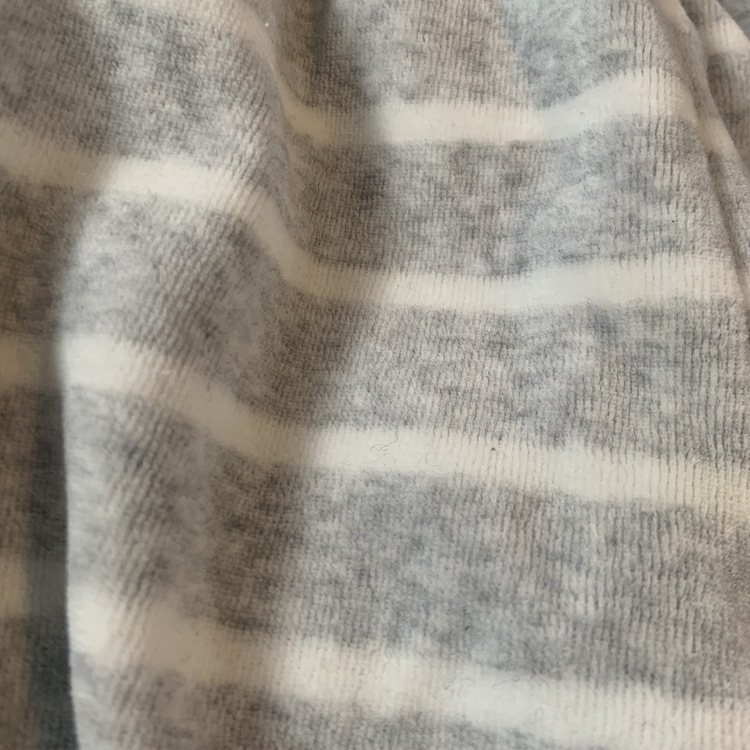 Ljusgrå velourbyxor med vita ränder från Lindex stl 56