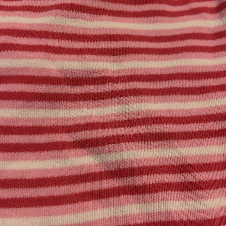 4 delat paket i vitt, rosa och rött stl 68