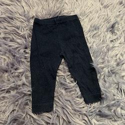 Mörkblå leggings från Petit Bateau stl 68