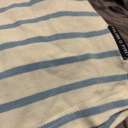 Vit klänning / tunika med ljusblå ränder och en enhörnings applikation från PoP stl 74