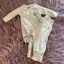 Mintgrön omlottbody och leggings med randiga detaljer och broderad mus från Martin & Millan stl 50